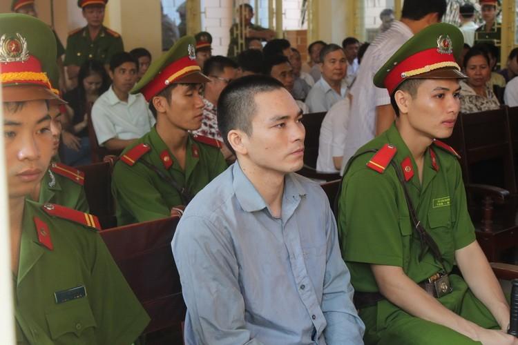 Xét xử hung thủ vụ án oan ông Chấn: Tòa bất ngờ hoãn xử - ảnh 6