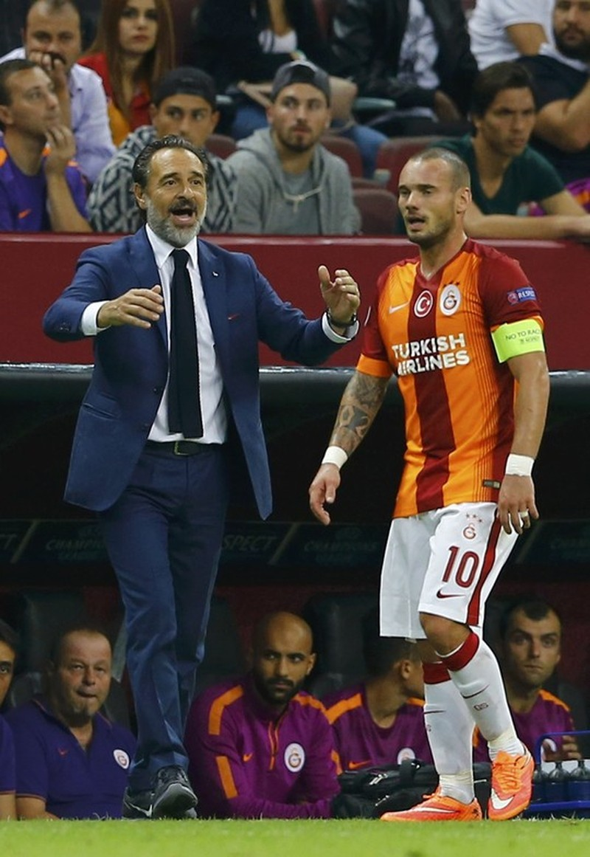 Tiền vệ Sneijder