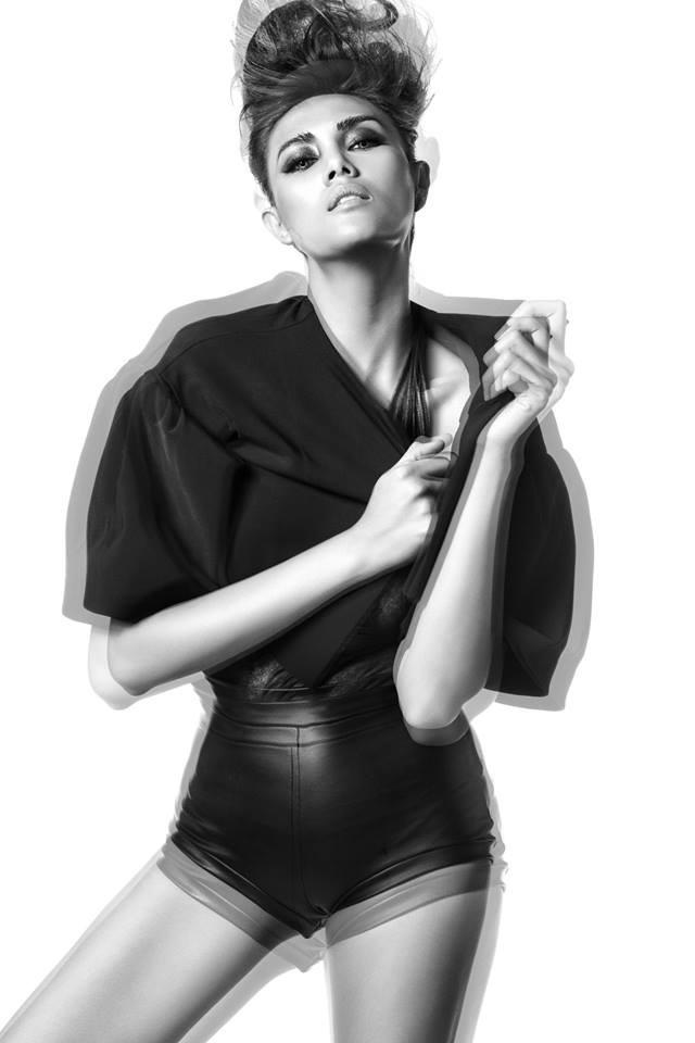 mẫu nude, sàm sỡ, nhiếp ảnh gia, Hà Anh, Hoàng Yến