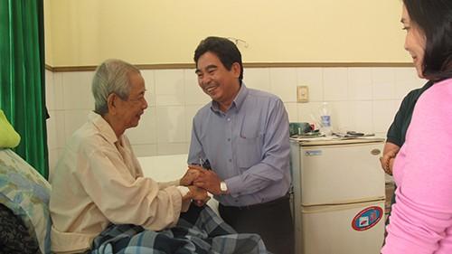 Soạn giả, NSND Viễn Châu, Mai Quân và đạo diễn Huỳnh Nga nhập viện - ảnh 3