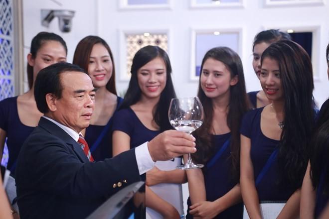 Hoa khôi Áo dài Việt Nam phải biết nghi thức ngoại giao - ảnh 1