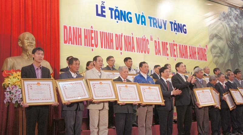 319 Mẹ nhận danh hiệu Bà mẹ Việt Nam Anh hùng - ảnh 2
