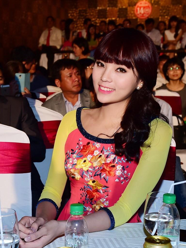 Hoa hậu Kỳ Duyên xinh xắn với tóc mới - ảnh 2