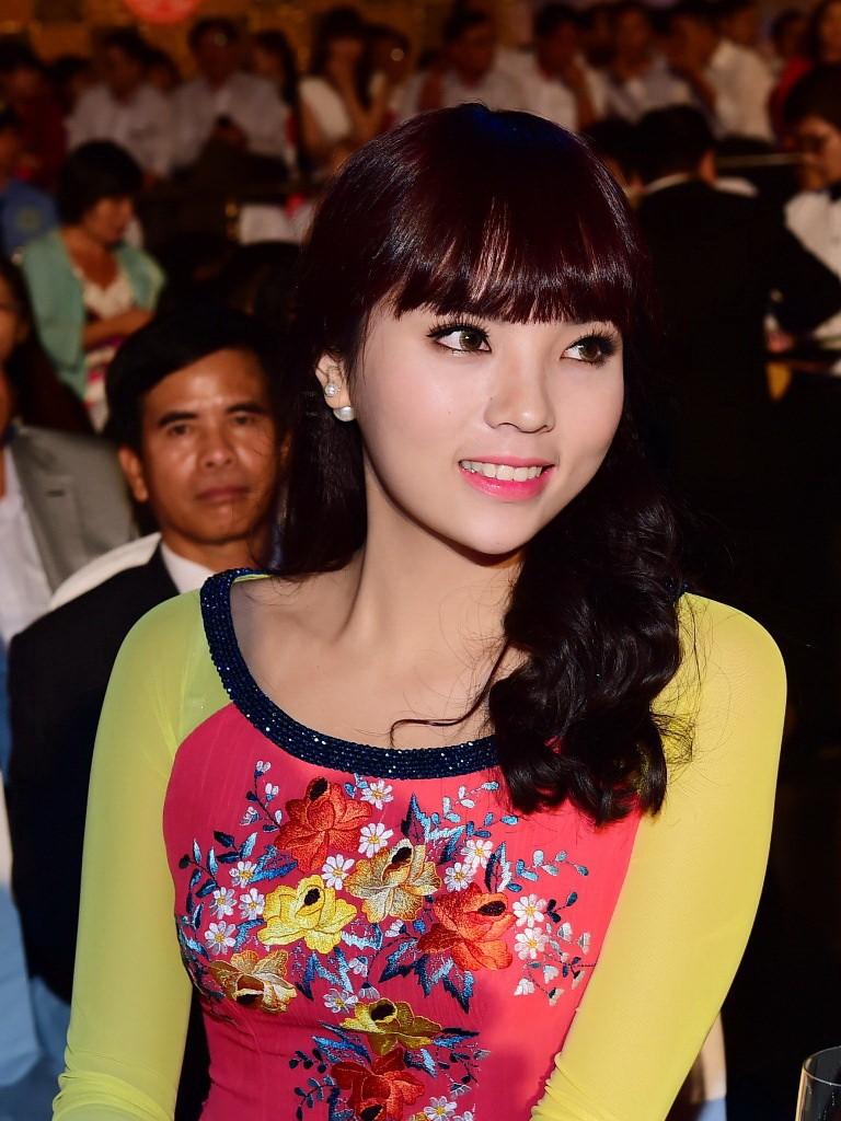 Hoa hậu Kỳ Duyên xinh xắn với tóc mới - ảnh 3