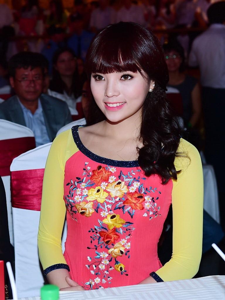 Hoa hậu Kỳ Duyên xinh xắn với tóc mới - ảnh 5