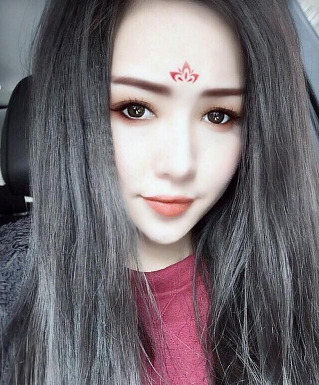 Hot girl Việt rủ nhau hoá thân thành Võ Tắc Thiên