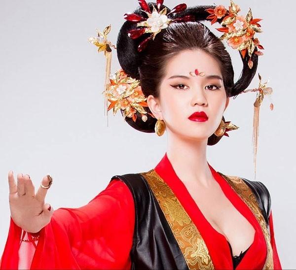 Những bộ ảnh gây tranh cãi khiến mỹ nhân Việt lao đao