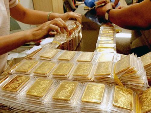 Chênh lệch giá vàng chỉ còn hơn 2 triệu đồng/lượng.