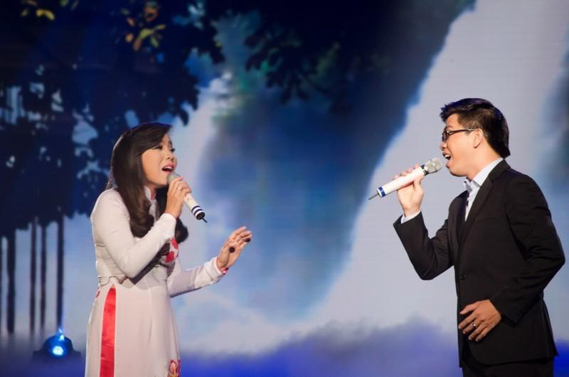 Minh Phượng và Thành Thiện đoạt quán quân 'Vợ chồng mình hát' - ảnh 1