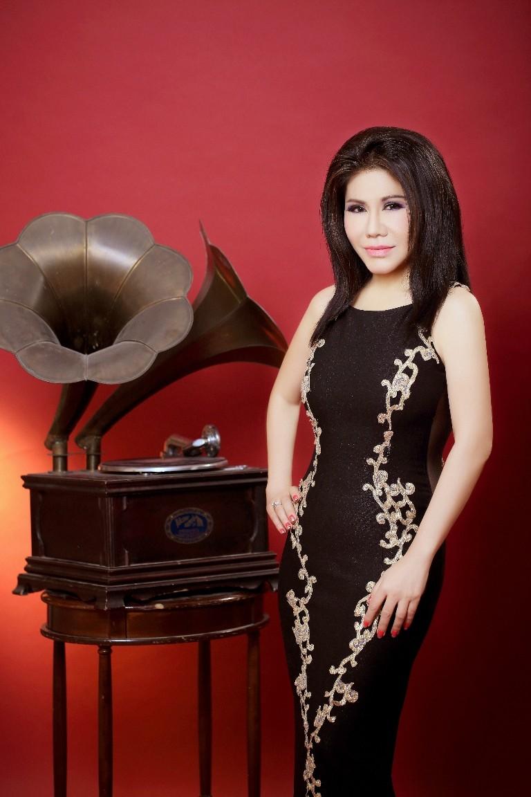 Liveshow đầu tiên của ca sĩ Sơn Tuyền sau 35 năm - ảnh 1