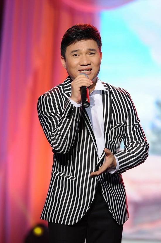 Nam ca sĩ Quang Linh nổi tiếng từ những thập niên 90
