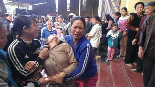 Vụ cả nhà bị sát hại: Đã đưa thi thể các nạn nhân về an táng - ảnh 2