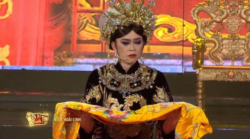 Hoài Linh hóa thân vào vai Thái hậu Dương Vân Nga - ảnh 4