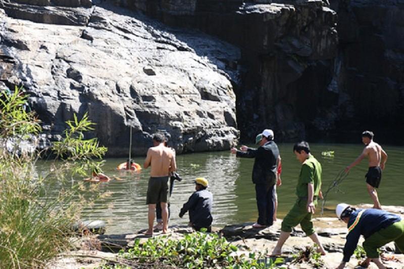 Tìm được thi thể du khách nước ngoài tử nạn tại thác Pongour - ảnh 4