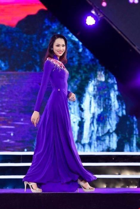 Cô đến từ Hà Nội