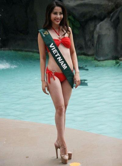 Nam Em tự tin tại cuộc thi Miss Earth 2016. Ảnh: VNE