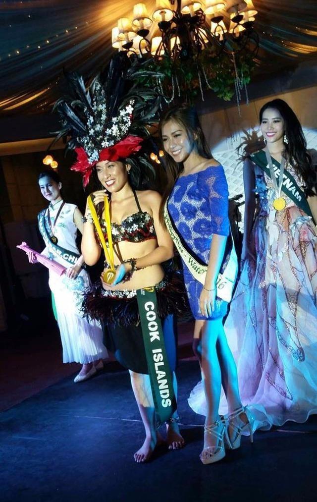 Đại diện Việt Nam tại Miss Earth 2016 Nam Em đã đoạt được Huy chương Bạc phần thi tài năng với tiết mục hát