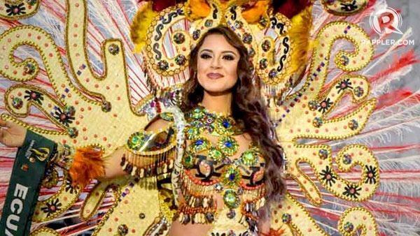 Hoa hậu rực rỡ trong phần thi Trang phục dân tộc. Ảnh NGÔI SAO