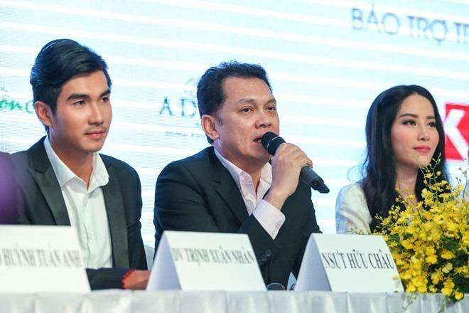 Bộ ba diễn viên chính vẽ nên bức tranh đầy tình thương của gánh hát lô tô Phù Hoa. Ảnh: Zing