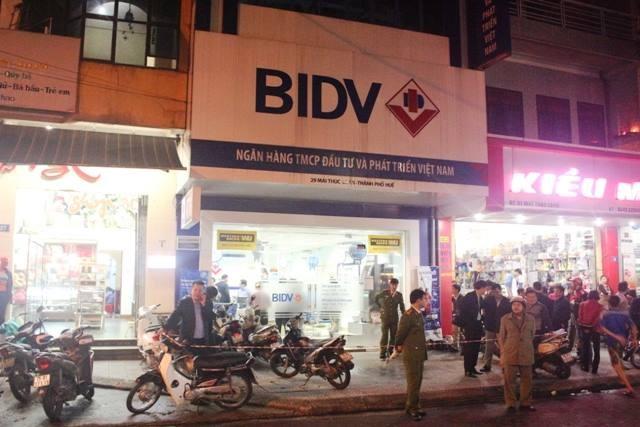 Vụ cướp Ngân hàng BIDV ở Huế:Khen thưởng ban chuyên án  - ảnh 6