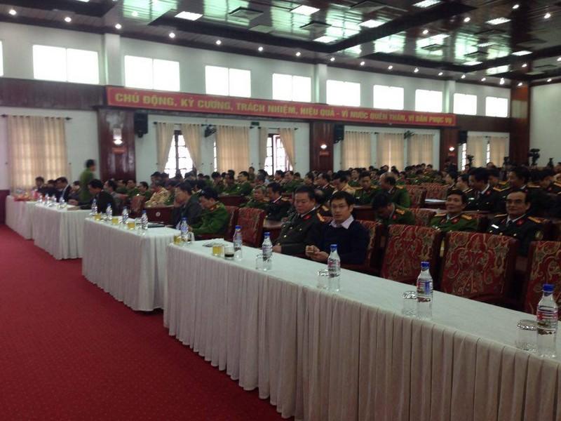 Vụ cướp Ngân hàng BIDV ở Huế:Khen thưởng ban chuyên án  - ảnh 5