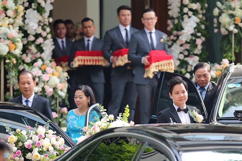 Dan xe sang trong le ruoc dau Hoa hau Dang Thu Thao hinh anh 13