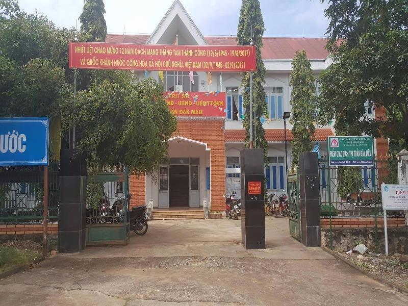 Cách chức dàn lãnh đạo một thị trấn ở Đắk Nông - ảnh 1