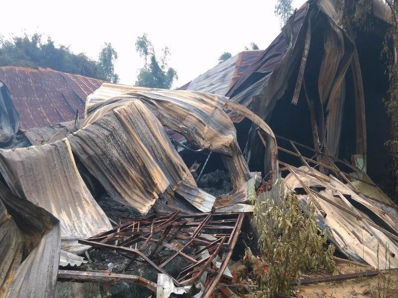 200 tấn mì trong kho bị bà hỏa thiêu rụi - ảnh 1
