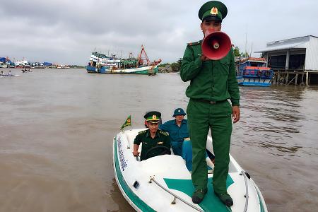 Phó Thủ tướng Trịnh Đình Dũng thị sát ứng phó bão  - ảnh 4
