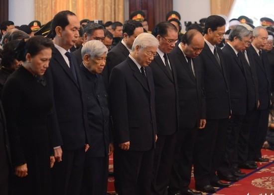 Lãnh đạo Đảng, Nhà nước viếng cố TT  Phan Văn Khải - ảnh 3