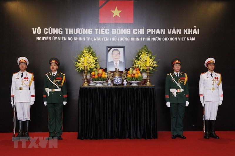 Lãnh đạo Đảng, Nhà nước viếng cố TT  Phan Văn Khải - ảnh 8