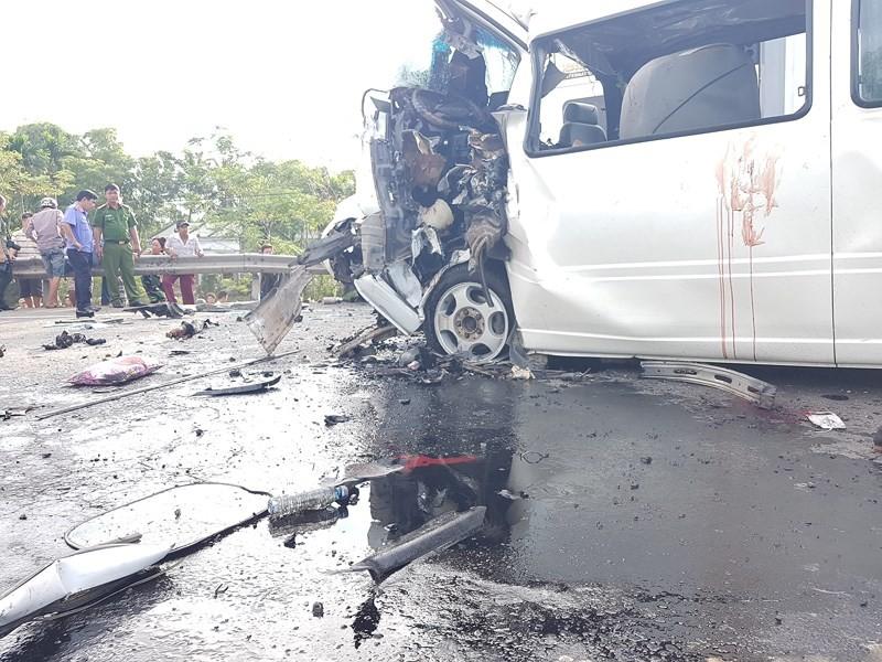Tai nạn thảm khốc: 13 người trên xe rước dâu tử nạn - ảnh 2