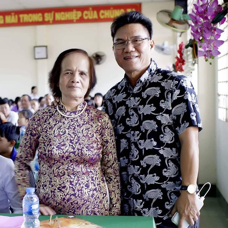 Nghệ sĩ Xuân Anh trao 150 suất học bổng cho HS nghèo Củ Chi - ảnh 8