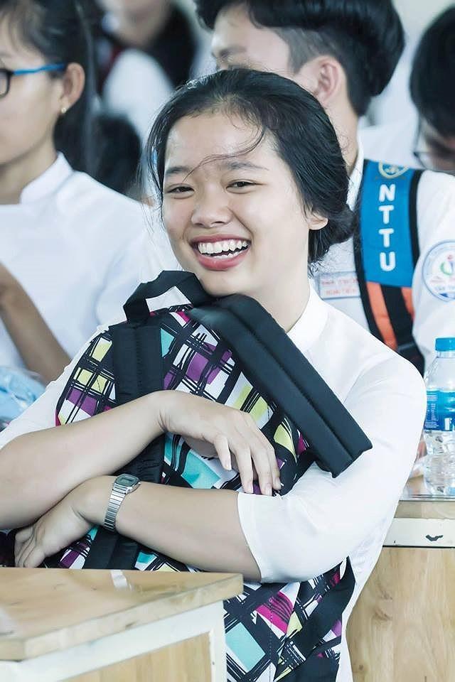 Nghệ sĩ Xuân Anh trao 150 suất học bổng cho HS nghèo Củ Chi - ảnh 4