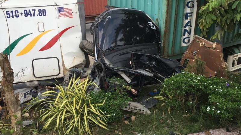 Kinh hoàng: 5 người chết vụ container tông ô tô ở quốc lộ 22 - ảnh 6