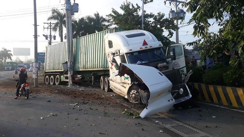 Kinh hoàng: 5 người chết vụ container tông ô tô ở quốc lộ 22 - ảnh 10