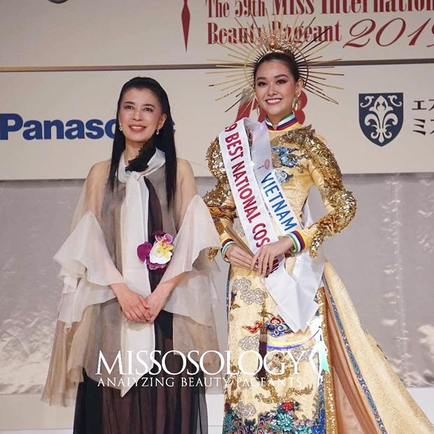 Tường San đoạt giải Quốc phục đẹp nhất Hoa hậu Quốc tế 2019 - ảnh 1