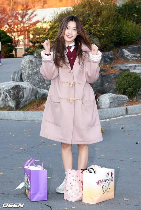 Dàn sao xinh đẹp Idol Kpop đi thi đại học  - ảnh 5