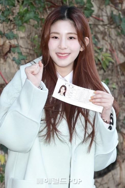 Dàn sao xinh đẹp Idol Kpop đi thi đại học  - ảnh 7