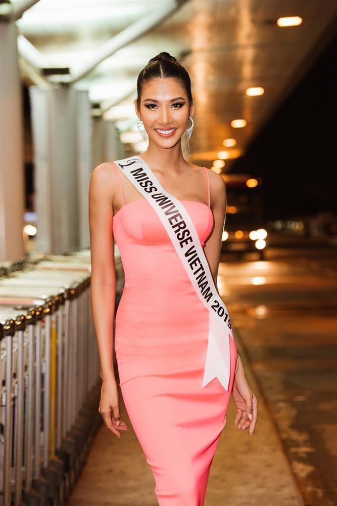 Hoàng Thùy đã chính thức sang Mỹ thi Miss Universe 2019 - ảnh 8