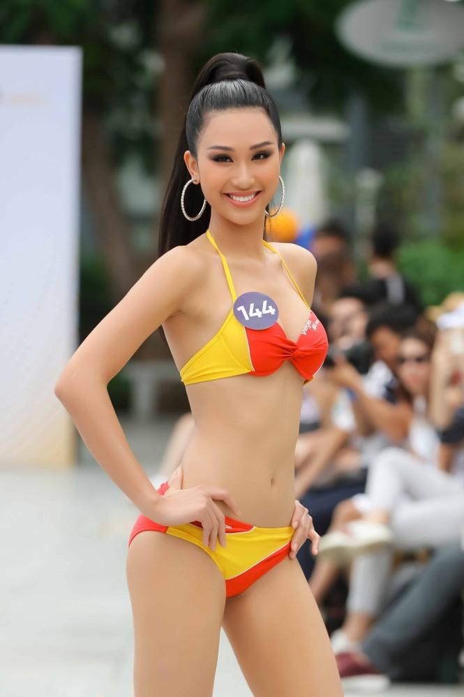Ngắm 10 người đẹp biển nóng bỏng tại Hoa hậu Hoàn vũ 2019 - ảnh 3