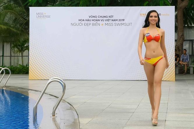Ngắm 10 người đẹp biển nóng bỏng tại Hoa hậu Hoàn vũ 2019 - ảnh 11