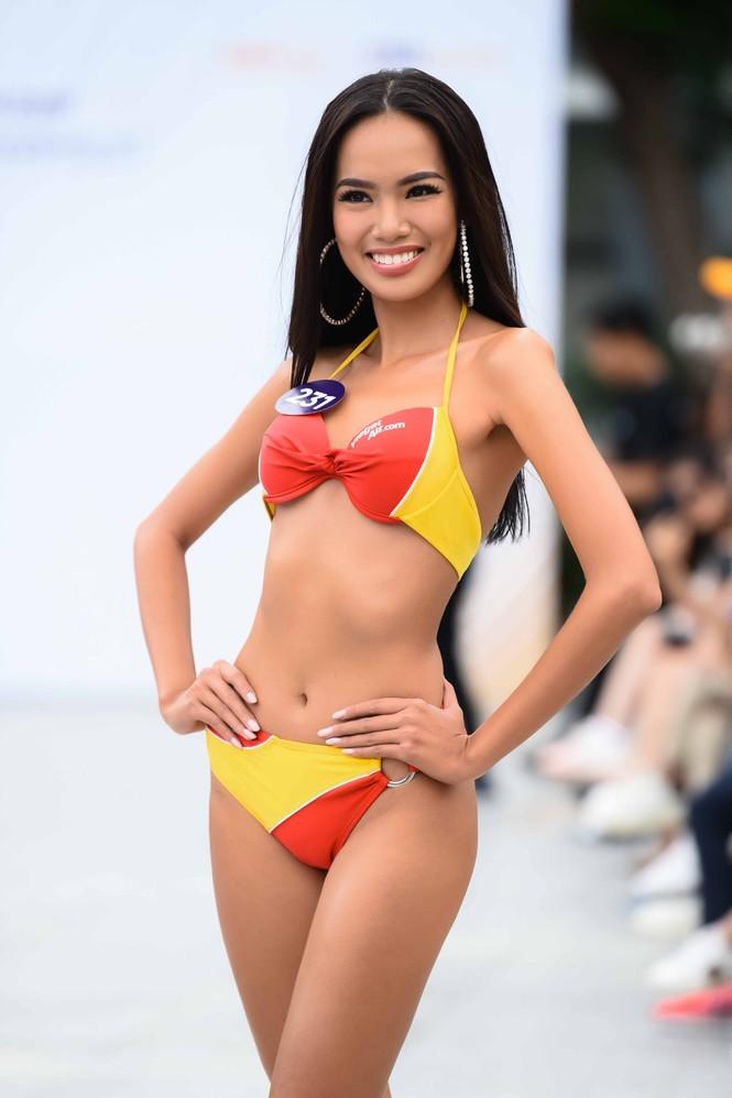 Ngắm 10 người đẹp biển nóng bỏng tại Hoa hậu Hoàn vũ 2019 - ảnh 7