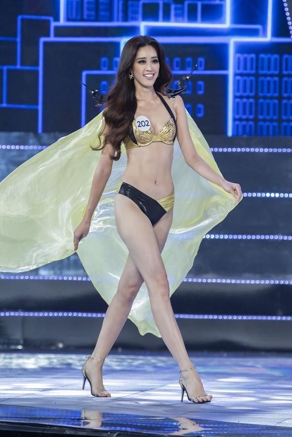 Tân Hoa hậu Hoàn vũ Khánh Vân nóng bỏng với bikini - ảnh 3