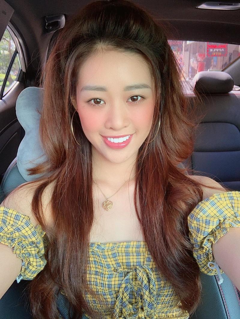 Ngắm nhan sắc đời thường của Tân Hoa hậu Hoàn vũ Khánh Vân - ảnh 5