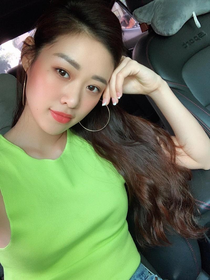 Ngắm nhan sắc đời thường của Tân Hoa hậu Hoàn vũ Khánh Vân - ảnh 6