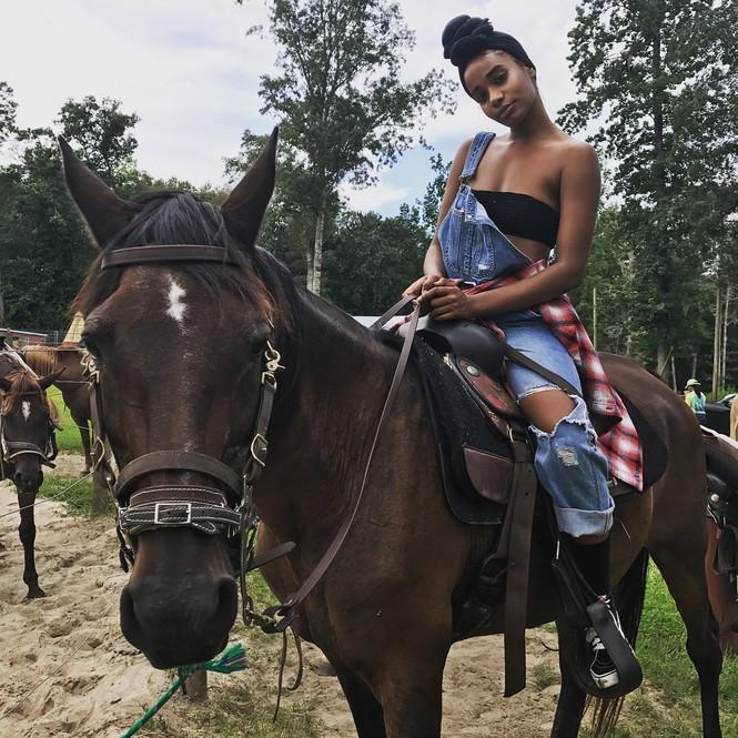 Vẻ đẹp đời thường của tân Hoa hậu Thế giới 2019 - ảnh 11