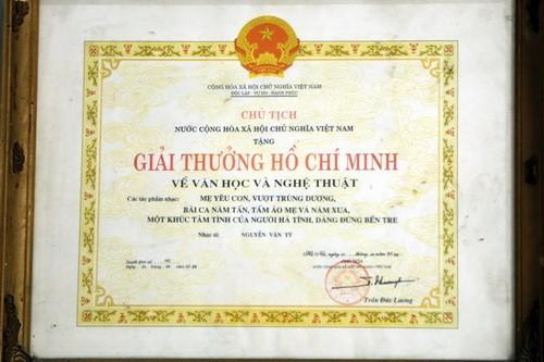 Nhạc sĩ Nguyễn Văn Tý và Giải thưởng Hồ Chí Minh năm 2000 - ảnh 1