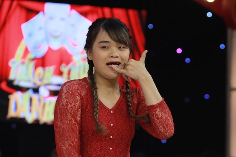 Cô gái mất 9 chiếc răng ẵm 100 triệu đồng Thách thức danh hài - ảnh 1