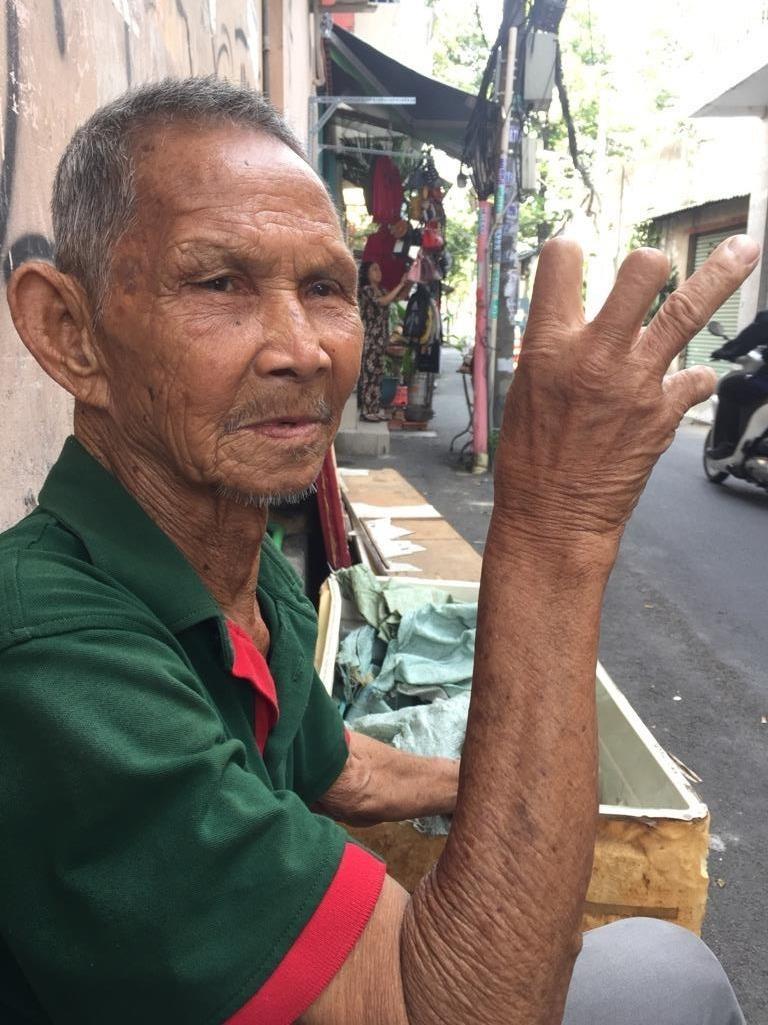 Ông già xích lô 82 tuổi và những cuộc tình thời trai trẻ - ảnh 2